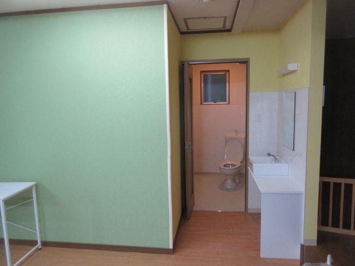 リフォーム後のトイレ、手洗い場